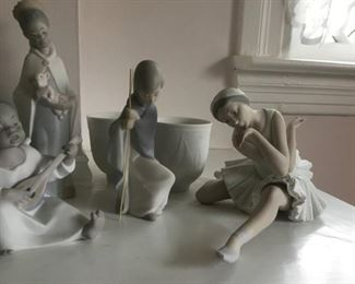 Vintage  Retired LLADRO Matte Figurines Ballerina - Death of the Swan No. 4855 (finger-tips missing).