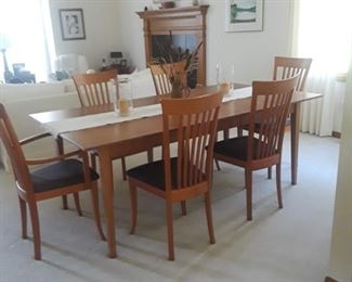 Italian Asibau Dining Table & Chairs.
