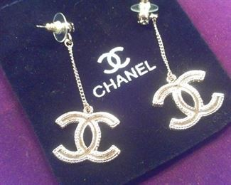 Chanel dangle earrings, NEW w pouch & Box