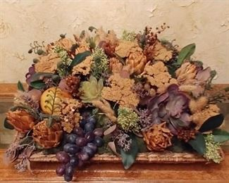 French country centerpiece