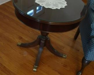 small  Lane  drum  table