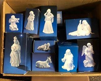 Avon white porcelain nativity