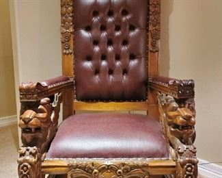 Throne chair with lion arms