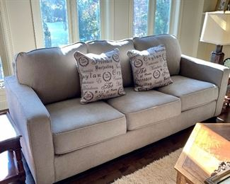 Brand new contemporary couch!