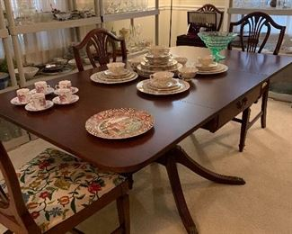 Drop Leaf Pedestal Table with 4 Shieldback Chairs