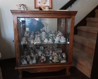 Display Cabinet & Dreamsicle Figurines