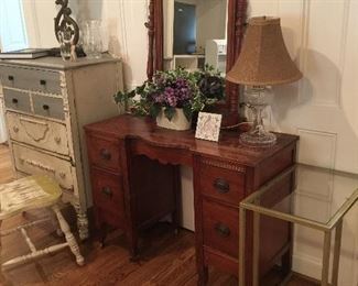 dressing table, Waterford Lamp