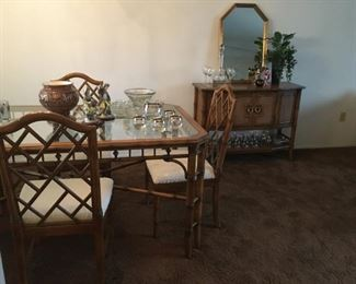Thomasville glass top dining table with (2) arm chairs & (4) side chairs