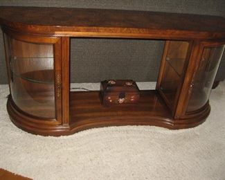 Lighted Curved Glass Sofa Table/Display Case...