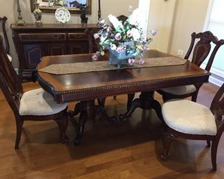 Beautiful Dining Room Table Six Chairs, Two Leaves & Pads, with Matching Buffet & Serving Chest..  (see pictures)