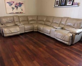 CT0072: Cindy Crawford Sectional Sofa with 2 Electric Recliners Local Pickup  https://www.ebay.com/itm/123974276173