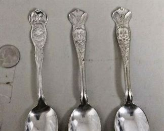 LAN607 3 SILVER PLATED COLLECTORS SPOONS 6 INCH LONG 3 PCS KENTUCKY , FLORIDA https://www.ebay.com/itm/113945910718