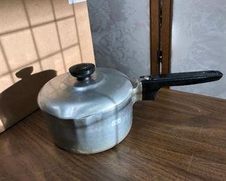LAN726: Magnalite 2qrt Pot Local Pickup $25  https://www.ebay.com/itm/123960457287