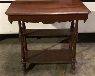 SL3006: Small Early American Style Table Local Pickup  https://www.ebay.com/itm/123960482916