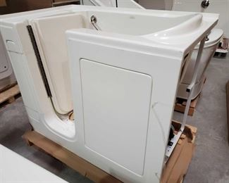 """420: Therapy Tub Model 3052A Air Jetted with Pump Measures approximately 30"""" x 52"""" x 40"""""""