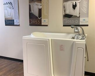 """401: Therapy Tub Model 3052A Measures approximately 41.5"""" x 30"""" x 52"""""""