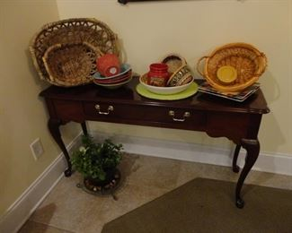Thomasville Couch Table. 30x53x16