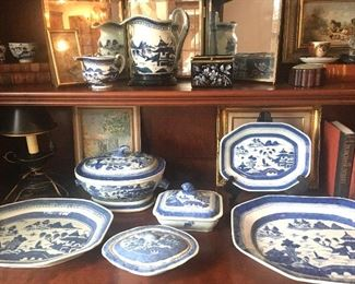 Nice selection of antique blue and white Ming porcelains