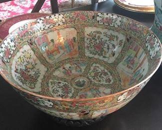 "large 13"" Rose Medallion bowl"
