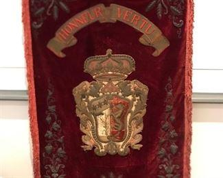 """Ornate antique velvet tapestry """"Honneur Vertu"""", measuring 4'8""""x2'5"""""""
