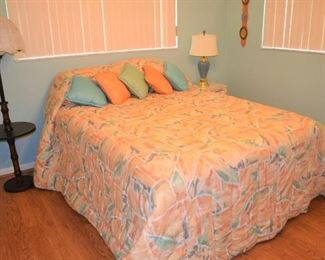 NEWER QUEEN BED AND LINENS