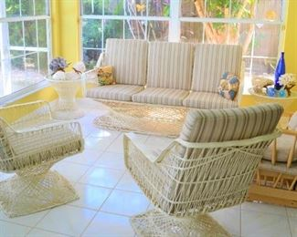 EXCELLENT CONDITION PATIO / FL ROOM SET