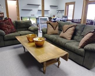 Sofa and loveseat, cool drop leaf coffee table