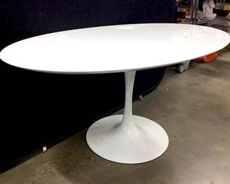 White Toned Oval Top Tulip Table