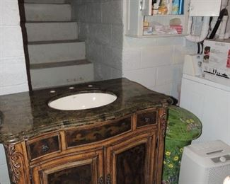 never used vanity from Horshow. orig. $1795.