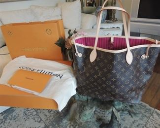 Louis Vuitton Neverfull limited edition (1000. issued 2016-2018) This one was purchased in 2018 and used once! orig..$3000.