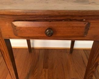 Cool drawer pull. Original to table.