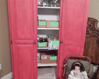 Quilt/Blanket Cabinet