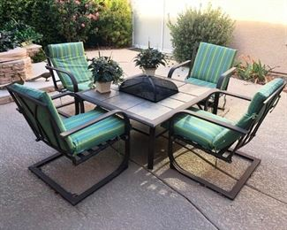 Pristine patio fire pit set