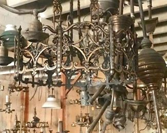 ANTIQUE LIGHTING GALORE
