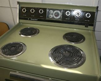 """LIKE NEW, OLD """"HOTPOINT"""" STOVE"""