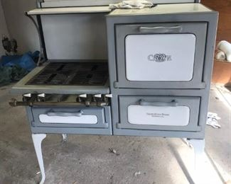 Crown Dec 7 1926 ceramic gas stove with oven works