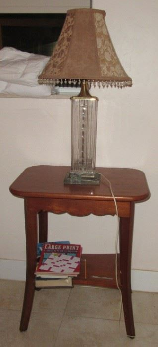 jill 2L LAMP AND TABLE