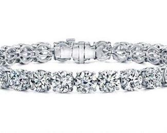 Lot 386 Diamond Tennis Bracelet