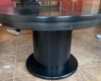 Country Black & Maple Table w/4 Chairs29in H x 48in Diameter