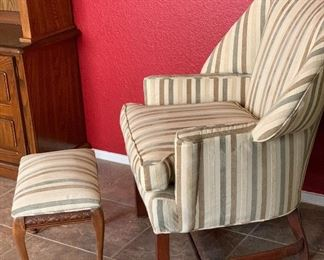 Vintage Wingback Chair w/ Ottoman38x34x31inHxWxDRecently reupholstered with contemporary fabric.. Looks great!