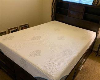 Queen Sz Contemporary Storage/Dresser Bed Memory Foam57x63x91inHxWxD
