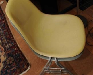 EAMES STACKING SIDE CHAIRS