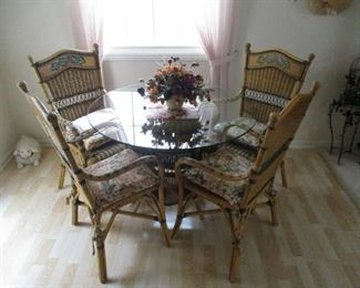 5-piece wicker dining room table and chairs