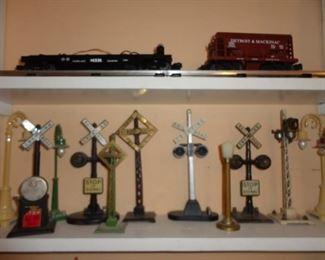 LOTS OF RAILROAD ITEMS