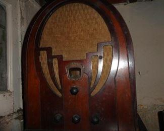 PHILCO OLD RADIO