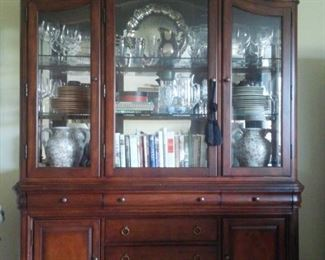 Glass front cabinet w/glass shelves