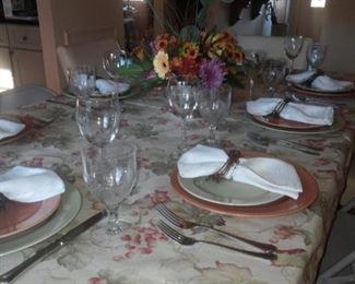 dinnerware, glassware, linens
