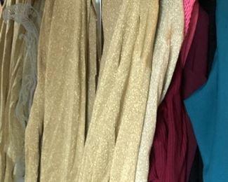https://www.grasons.com/wp-content/uploads/2019/11/clothes-on-rack-610674-7nbOBKiH.jpg
