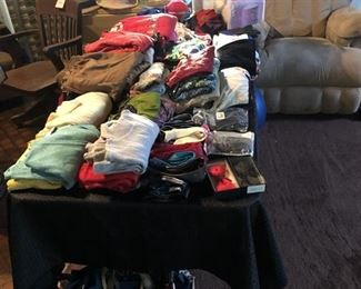 https://www.grasons.com/wp-content/uploads/2019/11/clothes-450662-xctu1oFp.jpg