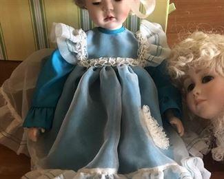 https://www.grasons.com/wp-content/uploads/2019/11/doll--472686-aMy9R4Ej.jpg